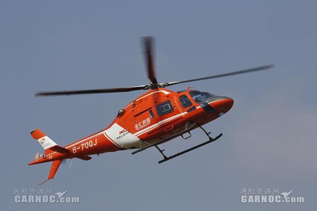 江西南昌特警首次动用医疗救援直升机参与实战演练