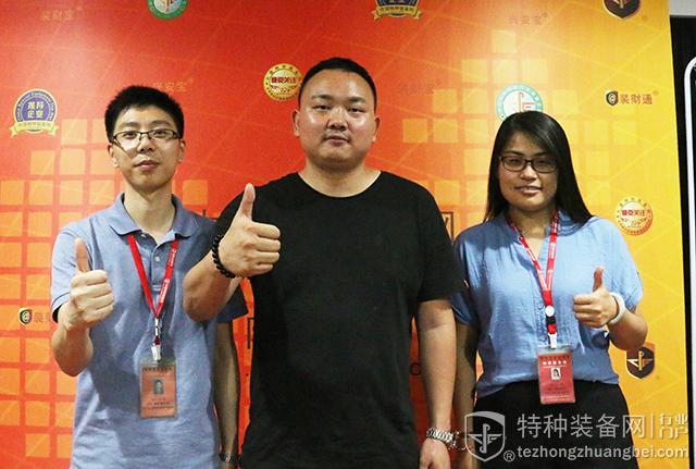 广东九联科技李文区域总监参访本网(组图)