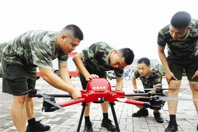 湖南常德首次配发 十一台消防无人机(图)
