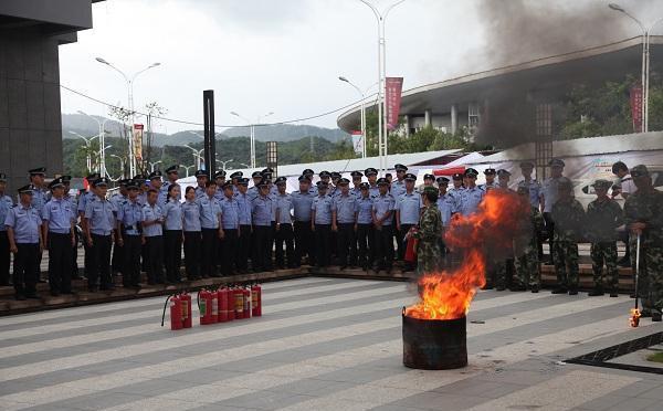 """云南普洱:""""茶博会""""安保指挥部组织开展消防应急演练(组图)"""