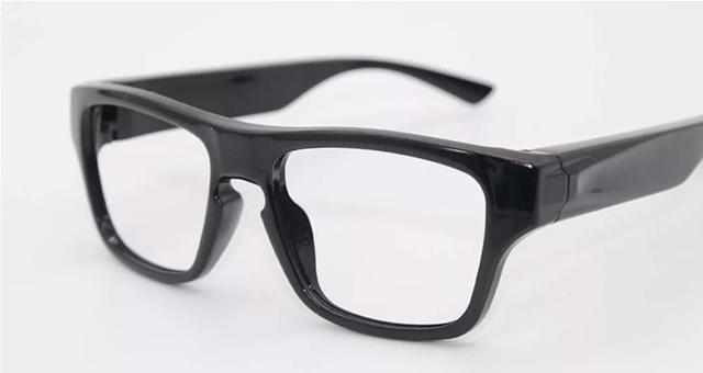 高效、方便、智能——WIFI视频远程传输眼镜打破传统执法取证形式(组图)
