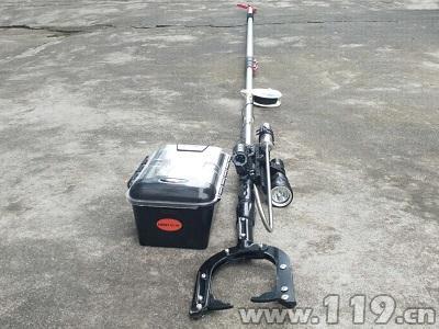 云南保山消防自主研发水域救援新装备(组图)