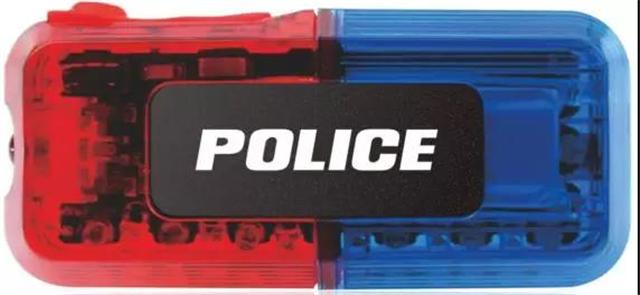 头条丨警察蜀黍查酒驾,竟要用上这么多装备!(组图)