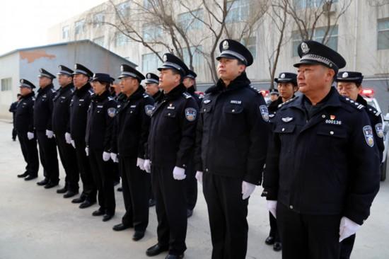 公安部支援宁夏银川闽宁镇公安执法执勤装备182件(组图)