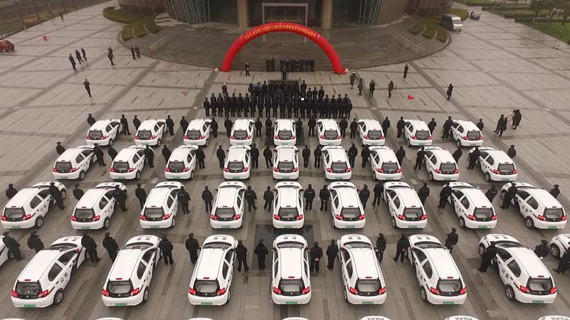 为更好服务群众,江苏南京六合给社区民警配发54辆警务电动汽车(图)