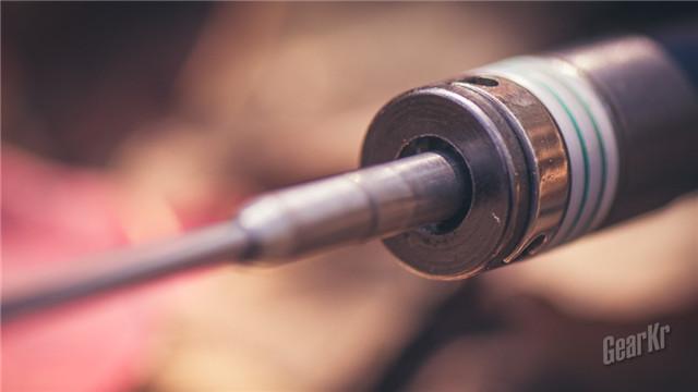 打破常规的甩棍 — 弘安保罗烧蓝全钢版锋芒陀螺机械棍使用感受(组图)