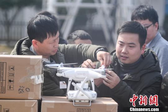 湖南电力借无人机打造智能巡检体系(组图)