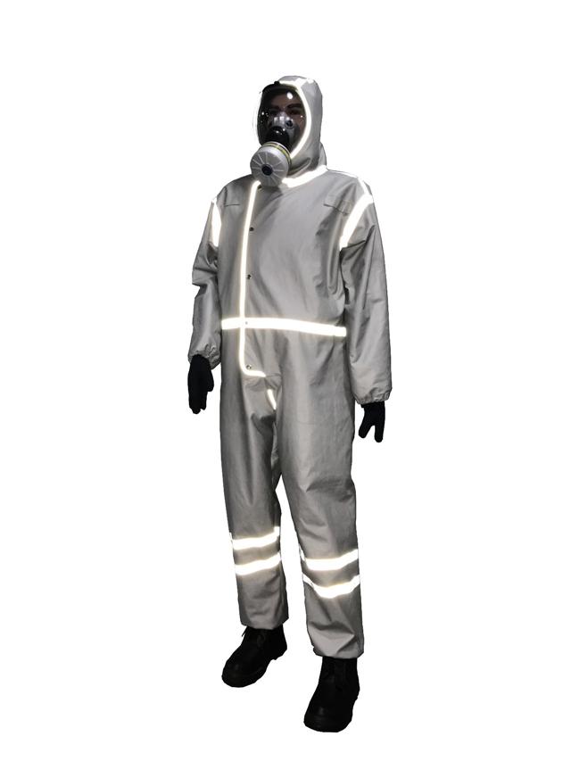 电影《疯狂的外星人》同款防化服在这里!(组图)