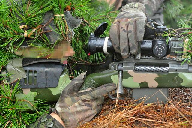 你与世界最强狙击手的距离 只差一个施密特本德瞄准具(组图)