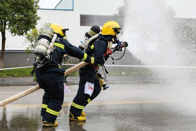 应急管理部:全国消防救援队伍开展全员岗位大练兵(组图)