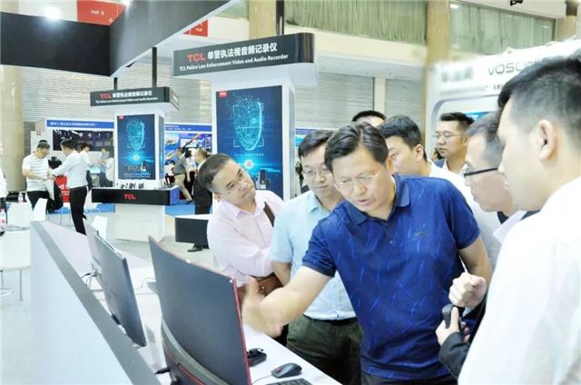 AI赋能·科技兴警——TCL亮相北京国际警用装备展好评如潮(附视频)