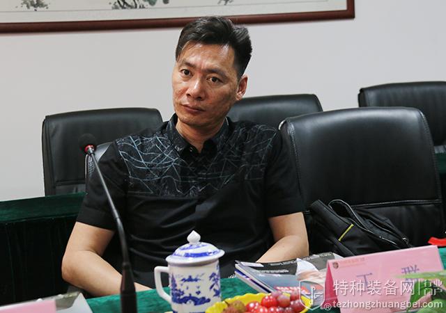北京瑞源文德总经理李俊伟一行贵宾参访本网(组图)