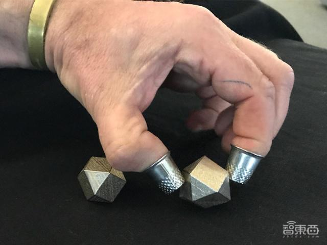 伯克利研究人员正在设计异形物体,以提高机器人抓取能力(组图)