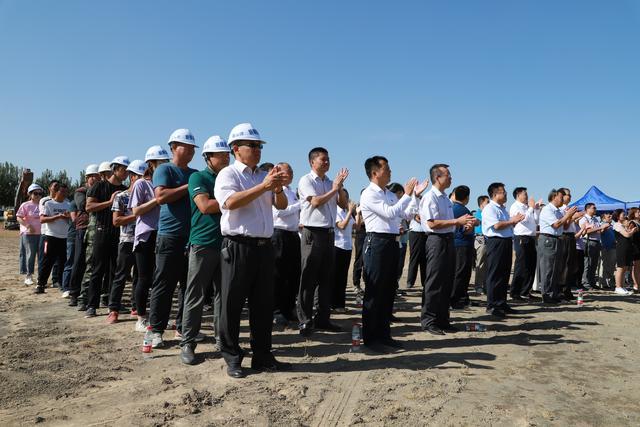 兵团十二师鲁疆产业园正式开工 首家入驻企业投资额达6000万元(组图)