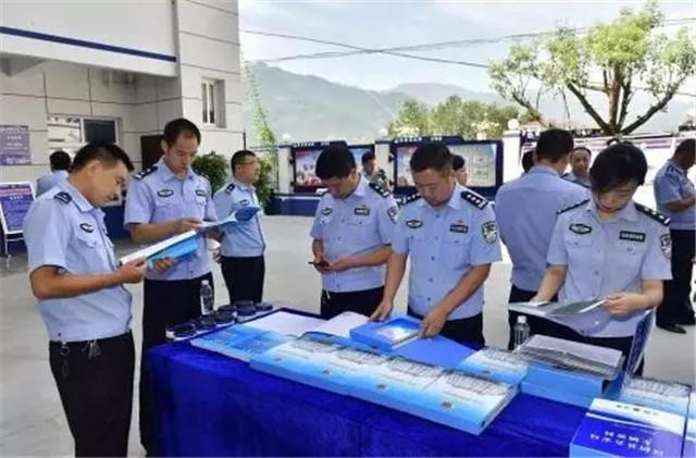 智璟无人机立足70周年国庆大庆,为汉阴警务保障工作保驾护航(组图)