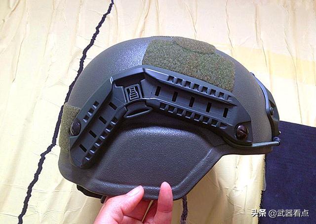 军事丨陆军大批量换装新一代头盔,将在一线野战军普及夜视仪(组图)