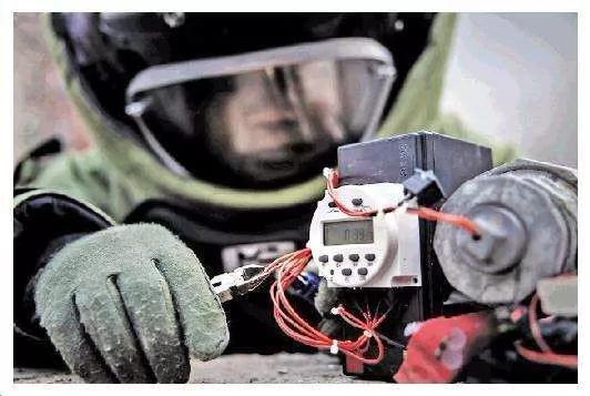 陕西华盾安达MR-5排爆机器人受邀参加陕西省公安特警跨区域拉动反恐处突击演练(附视频)