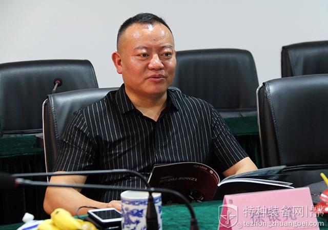 河南策维总经理徐银亮参访本网(组图)