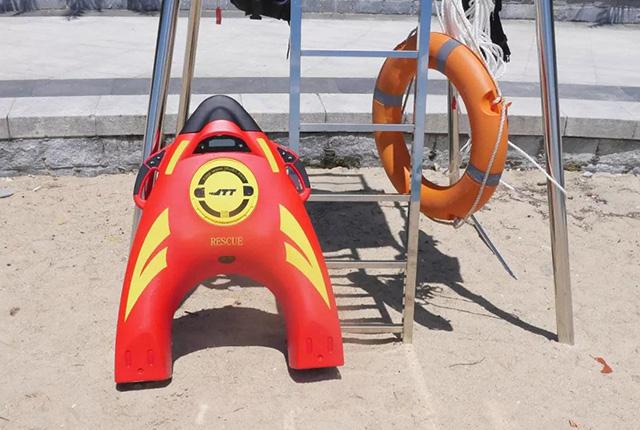 新装备上线!水上救援机器人破解水域救援短板 成第一救生装备(附视频)