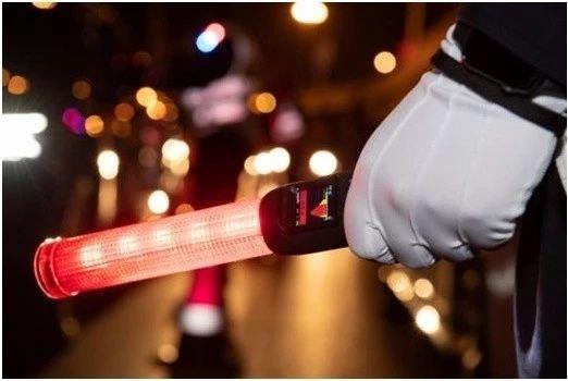 上新了!北京交警启用新式酒精检测仪 三秒可看结果(组图)