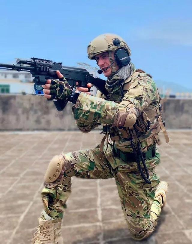 保障士兵战斗力提升 战术耳机是不可或缺的存在!(附视频)