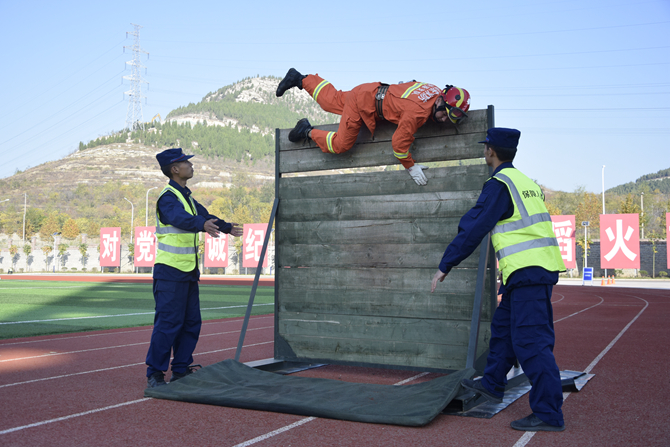 山东省消防行业技能竞赛在济南落幕(组图)