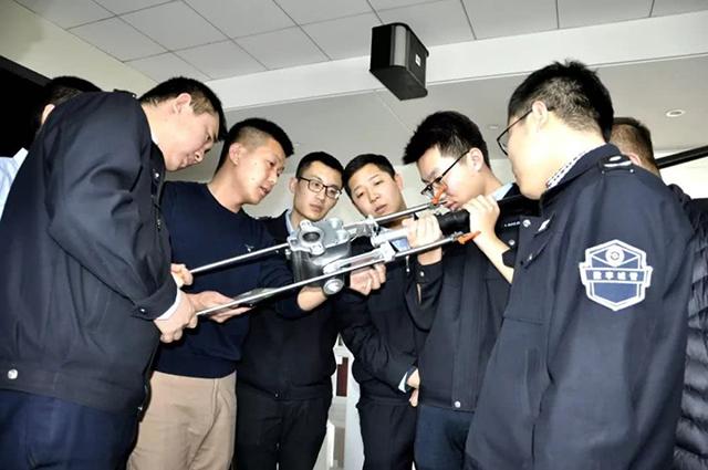 """新一代潜望镜提升应急保障力,太原数字城管用上""""黑科技""""(组图)"""