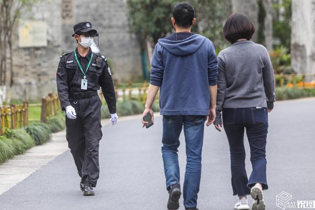 中国黑科技:浙江杭州景区用上智能测温AR眼镜 保安看你一眼便知你体温(组图)