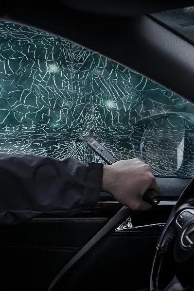 为公交坠湖事故痛心之余,不要忘记学习自救方法!(附视频)